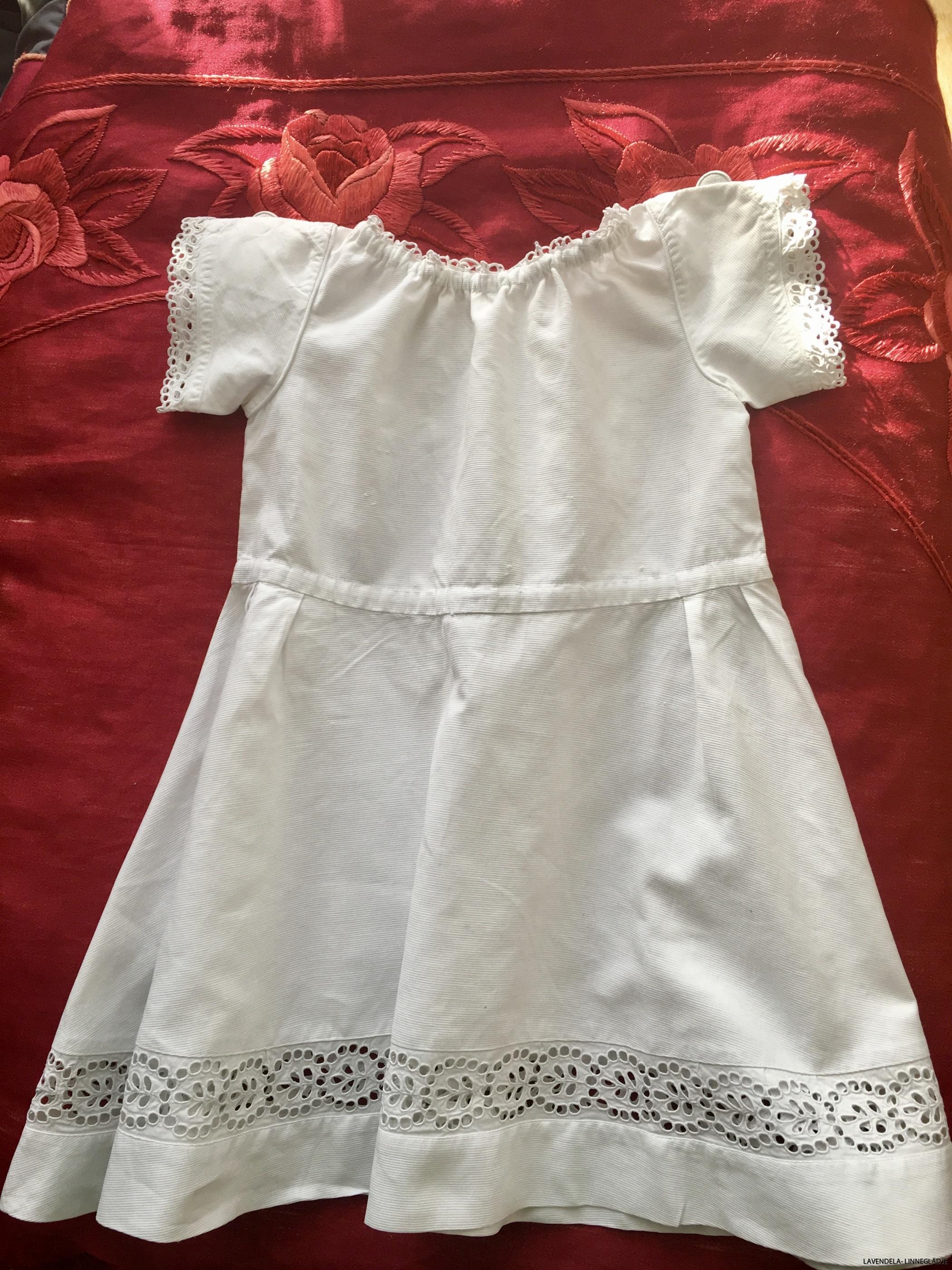 En söt barnklänning