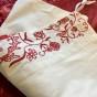 Sommar-Pris! Ett underbart vackert antikt långörngott i linne. Vilket hantverk, 1918.