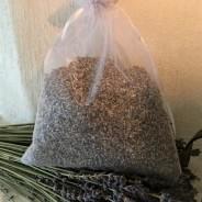 En stor vit organza-påsar med ekologisk lavendel, 80 gr.