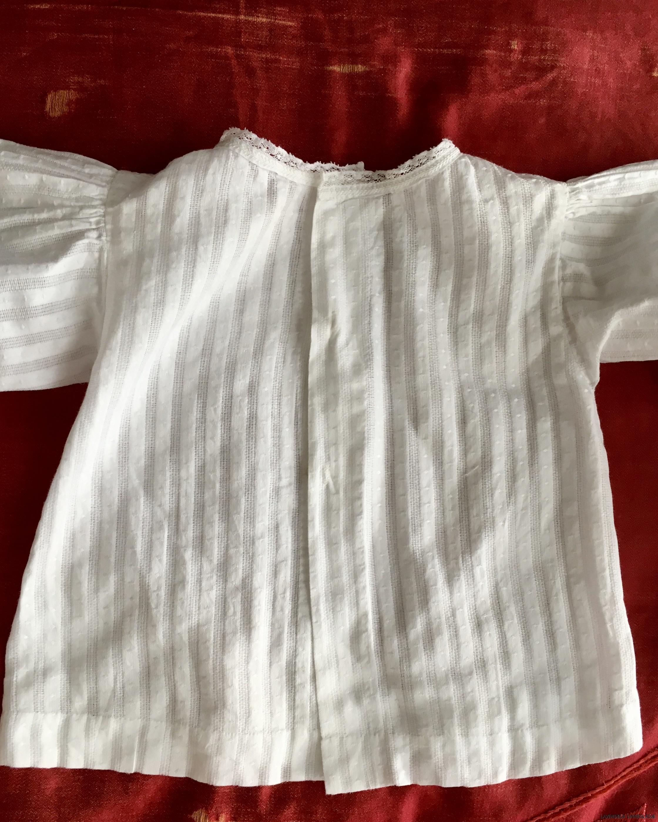 Baksidan på skjortan