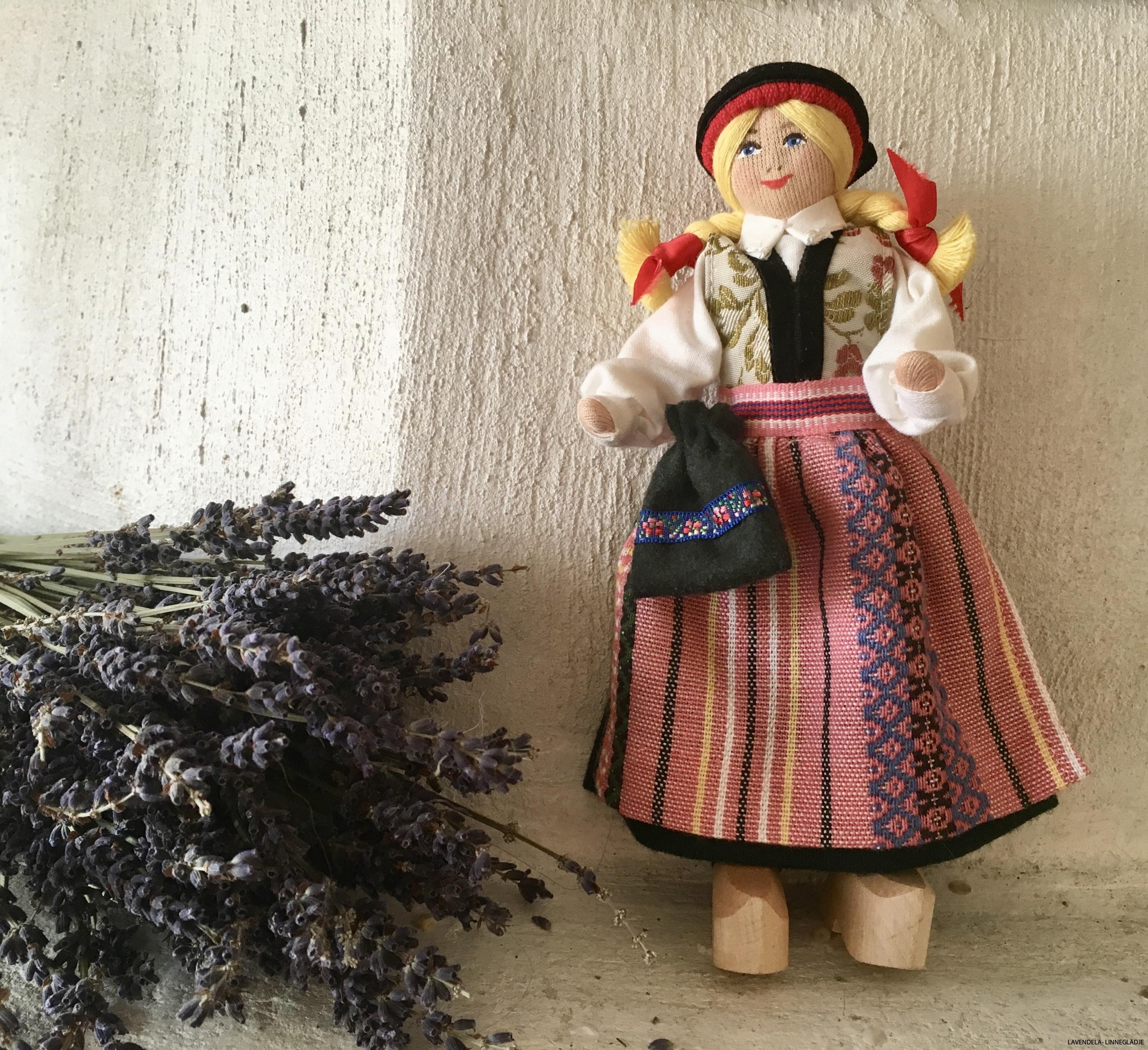 En välbevarad docka