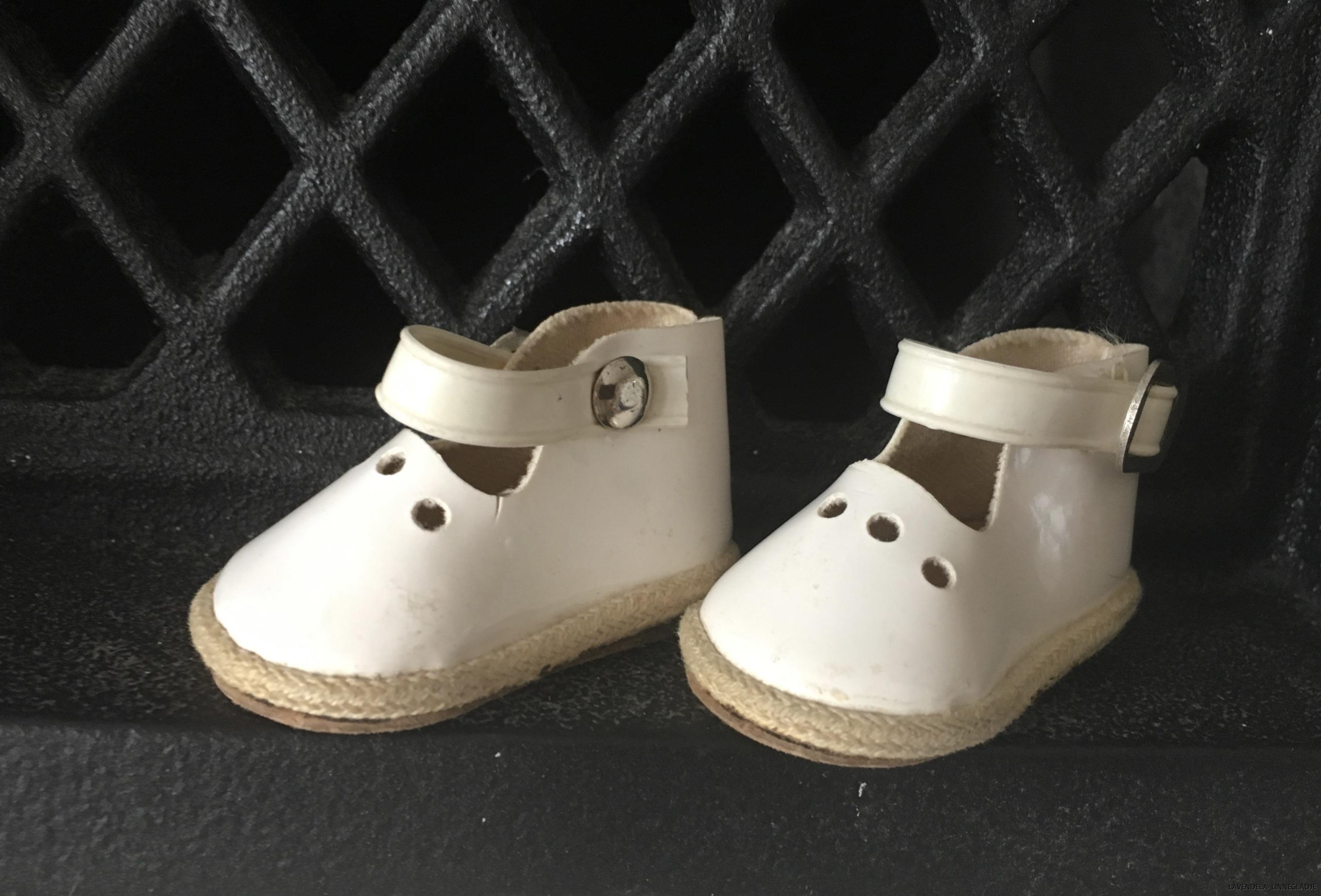 Skorna är 5 cm långa