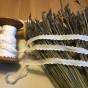 Ett äldre langettband med udd i vitt. Oanvänt! - Ett landetband i bomull. 1m