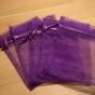 Tio stycken mörkt lila organzapåsar, 12 cm x  9 cm. - 10 stora organza0åsar 12cm x 9 cm.