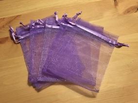 Tio ljust lila organzapåsar, 12 cm x 9 cm. Nyvara! - 10 st mörkt lila organzapåsar 12 x 9 .