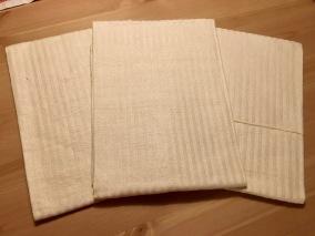 Tre fina handdukar i helinne i fint skick! - Tre fina handdukar