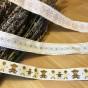 Tre band med olika mönster. Oanvända, fint skick! - Tre fina band över 9 m