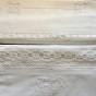 Tre fina lakan i båda linne och bomull med vackra spetsar.
