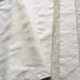 Bästa priset! Två linneörngott i de absolut vackraste handknypplade  spetsar. Nyskick!