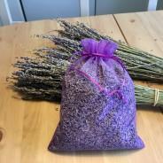 En stor organzapåse i lila, 80 gram ekologisk lavendel.