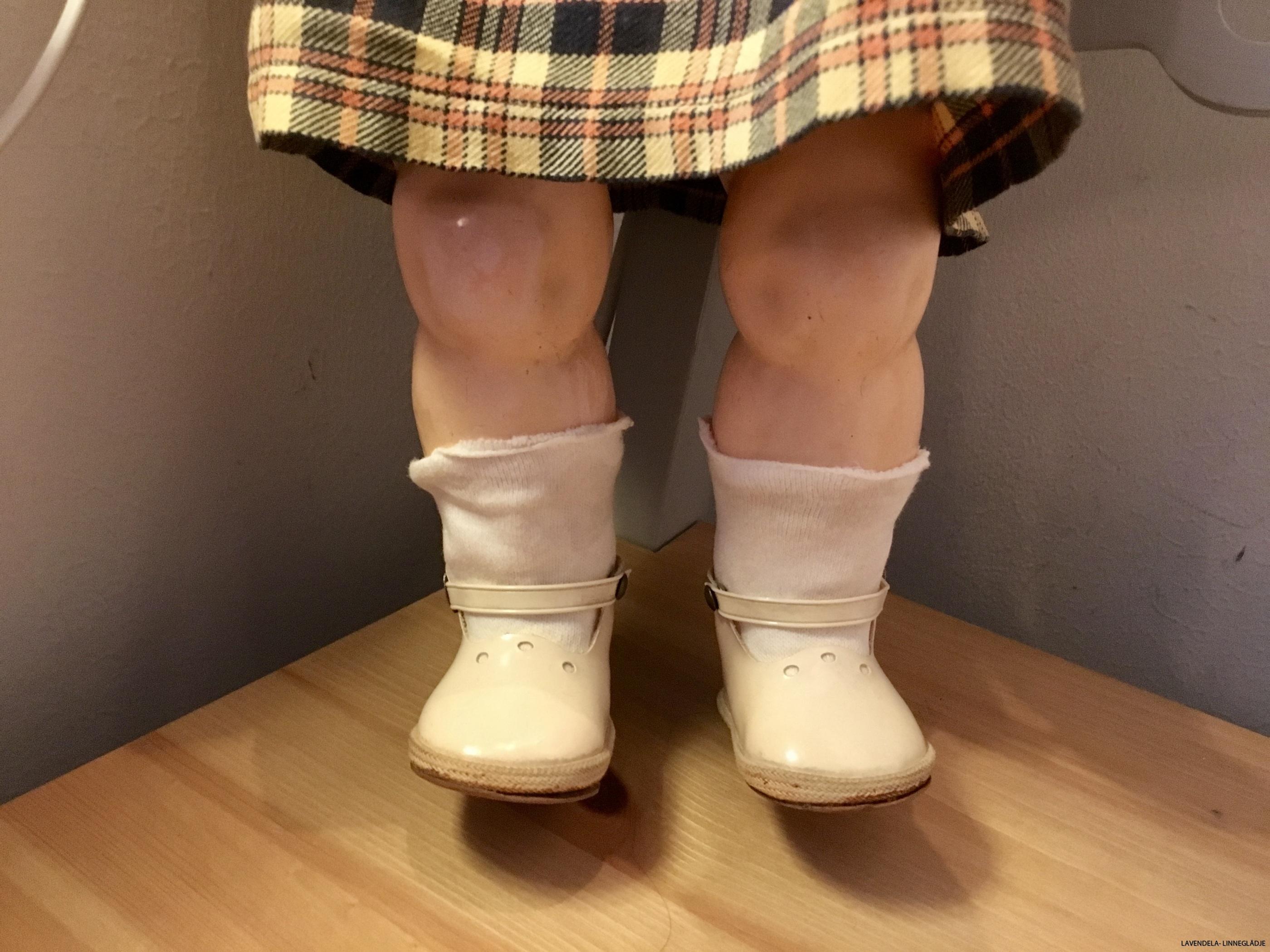 Fina strumpor och skor