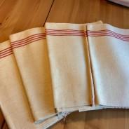 Sex handvävda linnehanddukar. 70 x 50 cm.