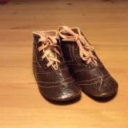 REA! Antika, barnskor i äkta läder, oanvända!