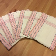 Sex glänsande handdukar i linne. I fint skick!