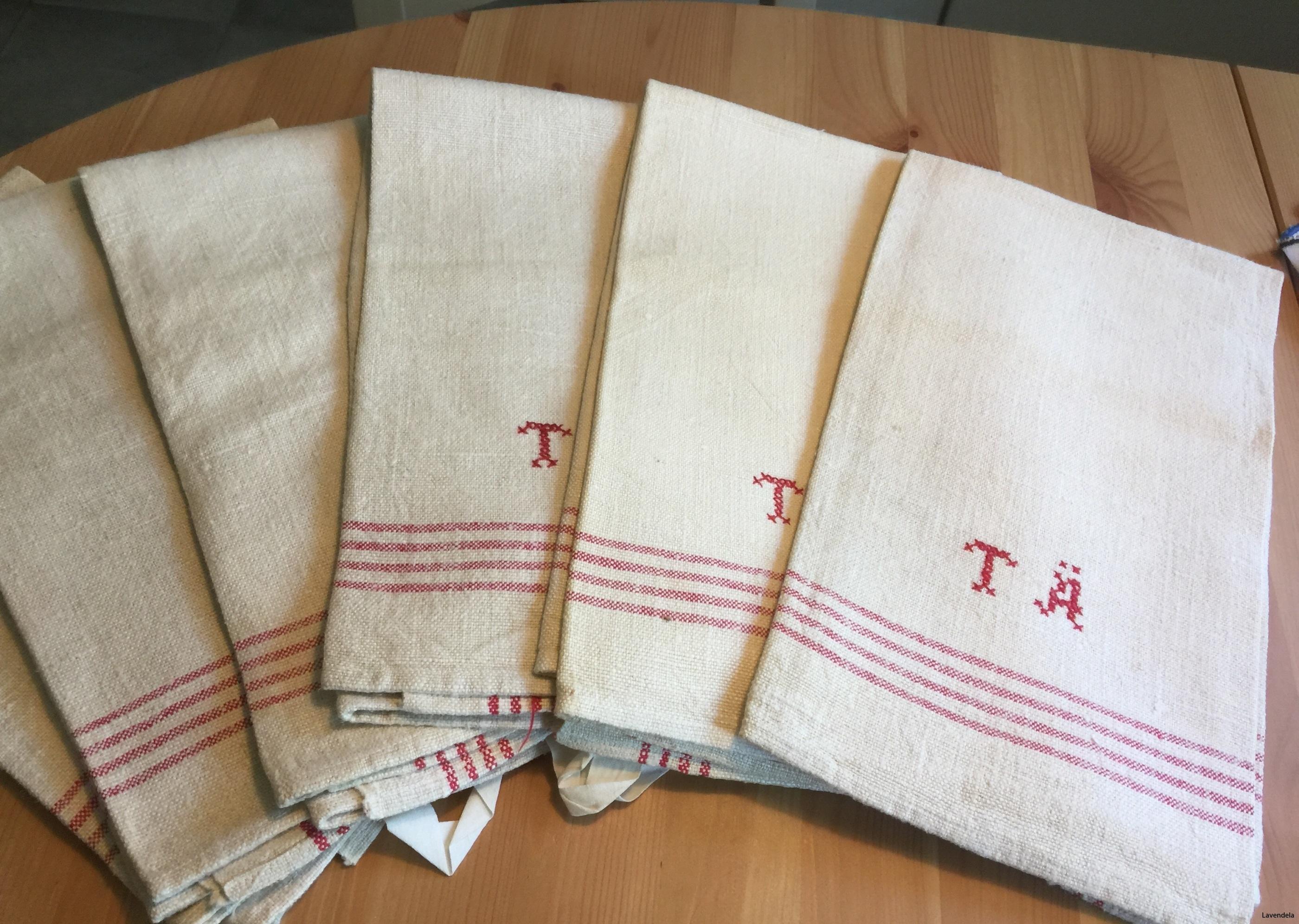Sju handvävda handdukar