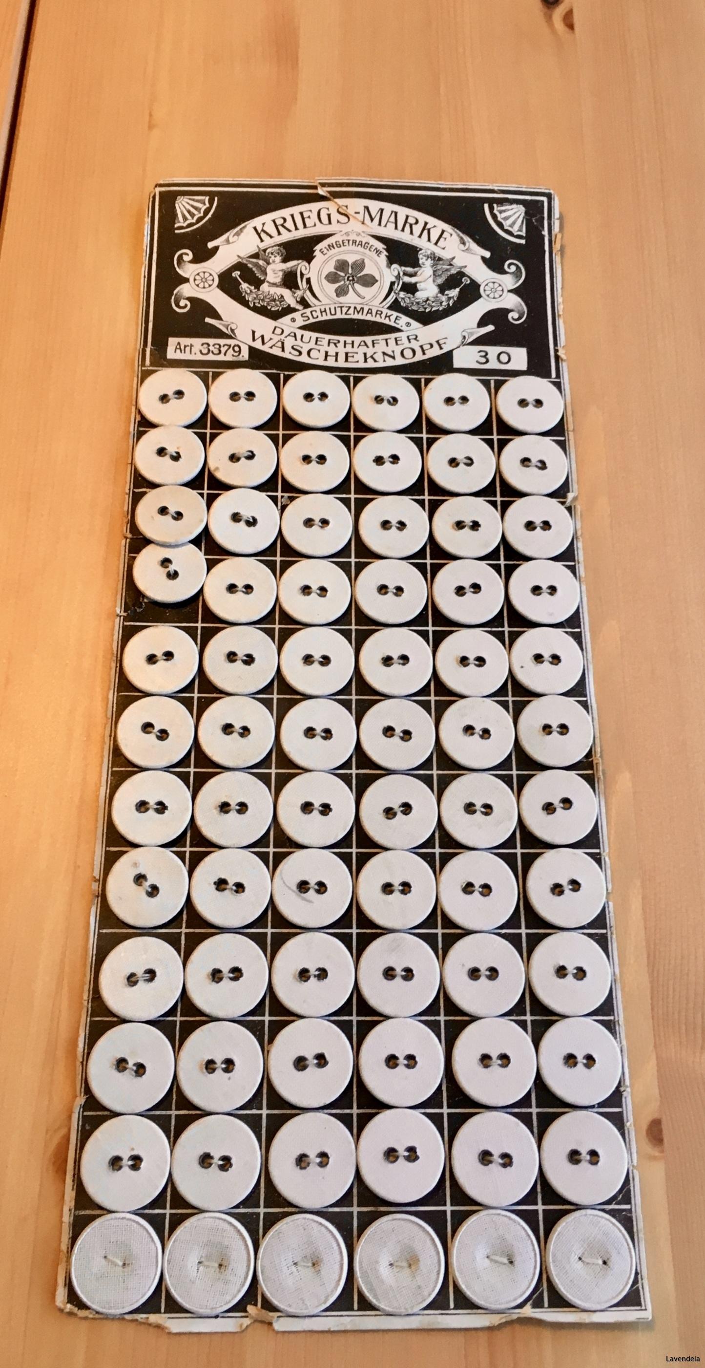 66 stycken knappar