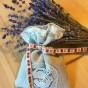 En handsydd lavendelpåse i linne och tyll - Fint handsydd lavendelpåse
