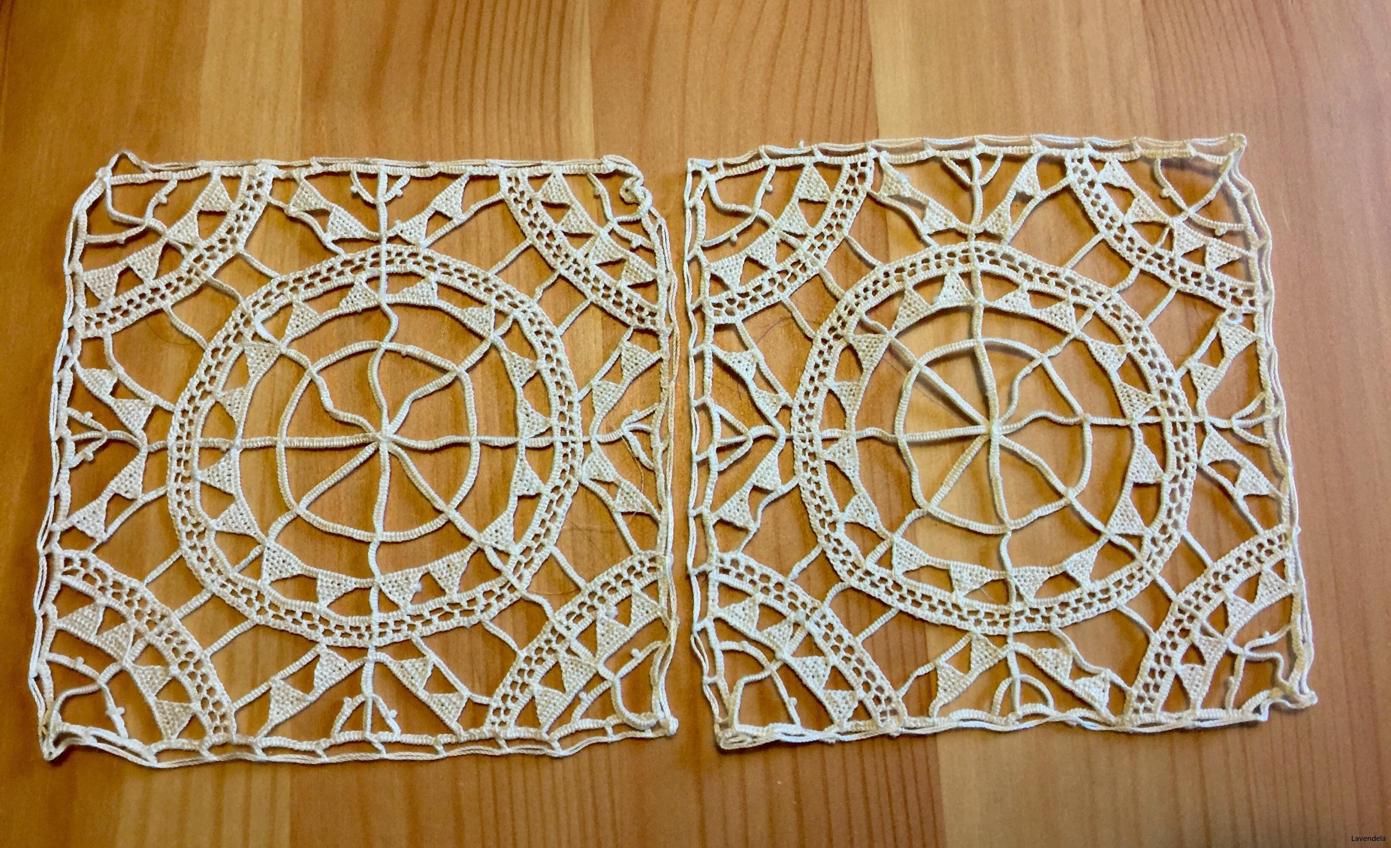 Två handgjorda spetsar