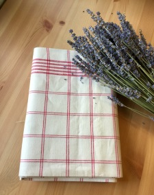 En handduksräcka i hellinne i absolut bästa kvalite. - En handduksräcka i härligaste kvalite.