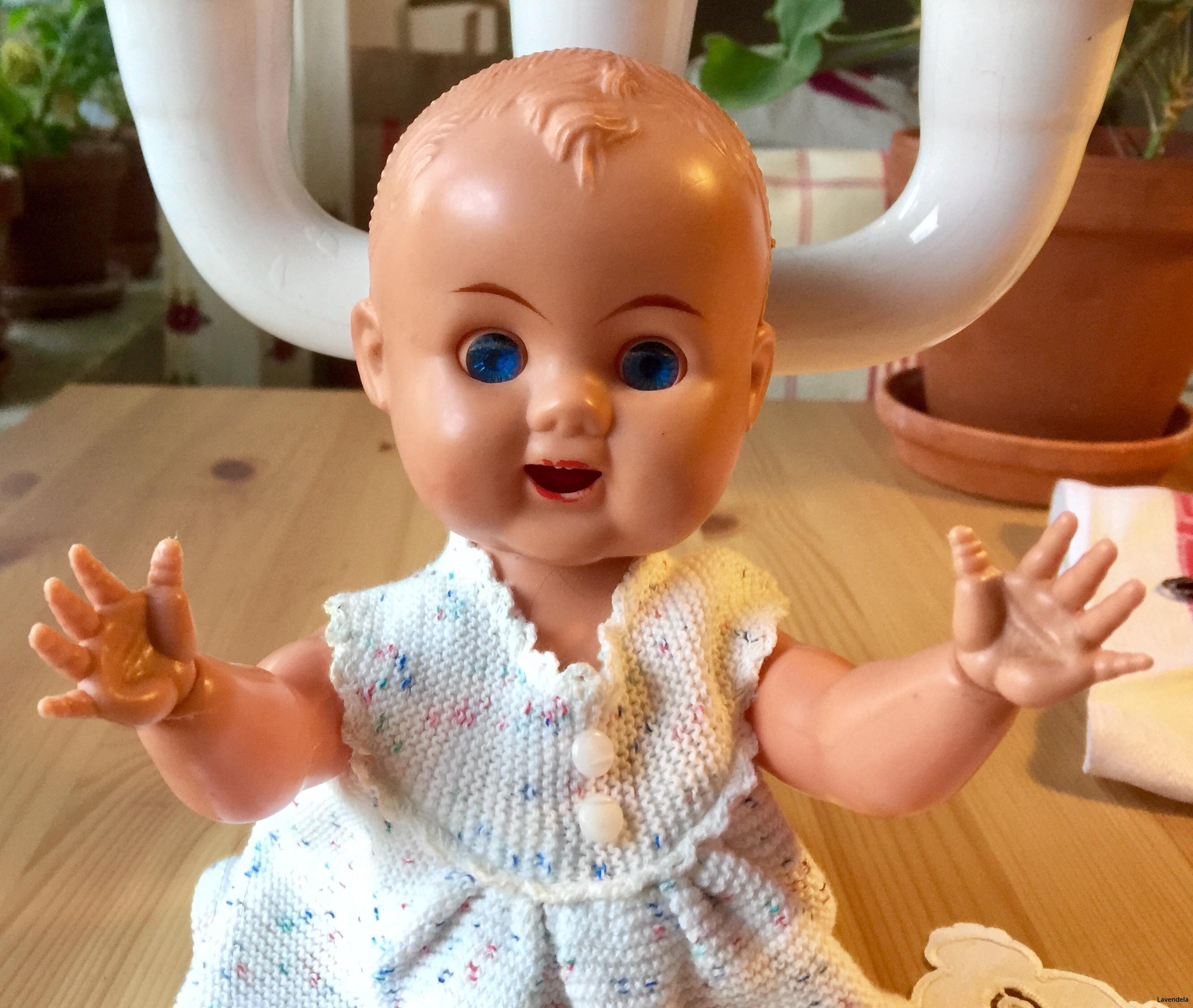 En liten söt docka