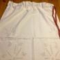 En tvättpåse snyggt vitbroderi, mycket fint skick!