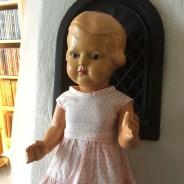 En fin Svensk docka, Cello, 45 cm hög.