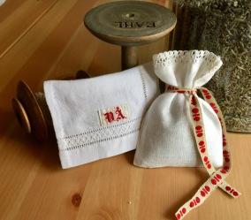 Två handsydda lavendelpåsar med vår ekplavendel! - Två handsydda lavendelpåsar