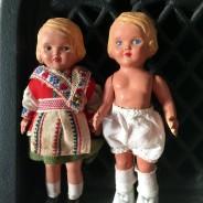 Två små gulliga dockor i fint skick!