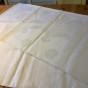 En glänsande vacker damastduk, 190 x 180 cm.