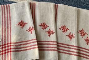 Sju vackra handvävda linnehanddukar' - Vackra handdukar i linne!