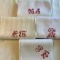 Fyra vackra antika handdukar i linne! - Vackert hantverk! Antika handdukar.