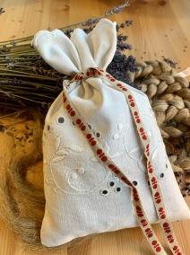 En fint handsydd lavendelpåse I linne! - En jättefin handsydd lavendelpåse!
