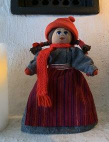 Julpris! En fin docka från C. Weibulls! Tomtemor! - En fin tomtemor från C. Weibulls.