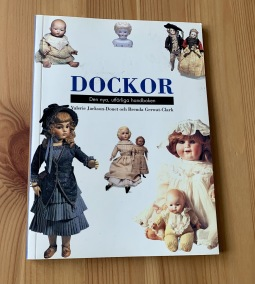 En handbok om dockor! - En bra handbok om äldre dockor