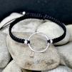 Hera - Stilrent armband i silver och svart