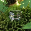 Zoe - Vacker ring med rå attityd