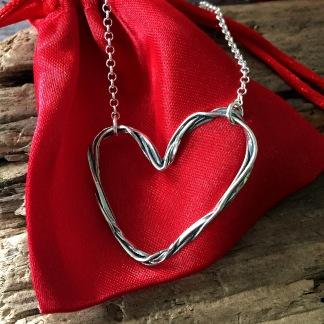 Miranda - Hjärthalsband i silver