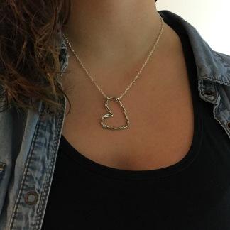 Miranda - Rejält hjärthalsband i silver