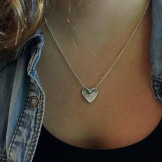 Suzette - Hjärthalsband i vacker design