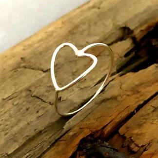 Sweet love - Liten söt silverring med hjärta