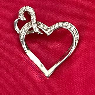 Ljuvligt hjärthänge i silver