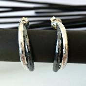 René - Silvercreoler i svart och vitt