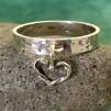 Lori - Smal silverring med hjärta