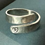 Linnea - Ställbar ring med hjärta