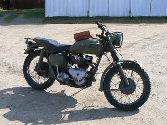 Triumph Trophy TR5, en av ett tiotal motorcyklar på museet