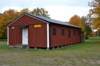 En av de enda kvarvarande barackerna från Baltutlämningstiden 1945, är inrett som museum. Baracken är belägen inne på militärt område i samhället Rinkaby.  (Rinkaby läger)