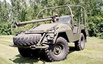 Volvo Pansarvärnspjästerrängbil 9031