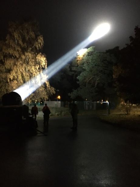 Här är Luftvärnsstrålkastaren igång,.
