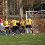 Daniel Johansson nickar mot mål