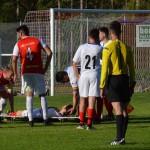 tidigare rödvita spelaren srdjan bolanovic bärs ut på bår